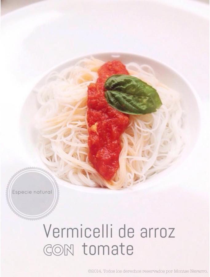Vermicelli de arroz con tomate